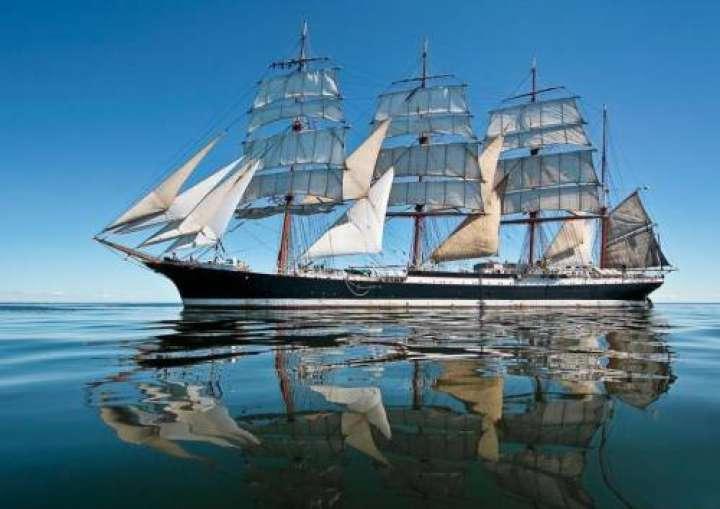 Самый большой парусник в мире носит имя русского моряка